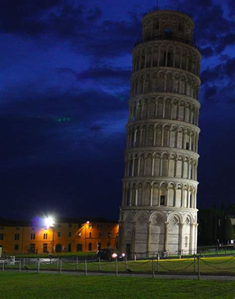 Towers Essay by Tower Of Pisa At Photo Essay What Boundaries Live Your