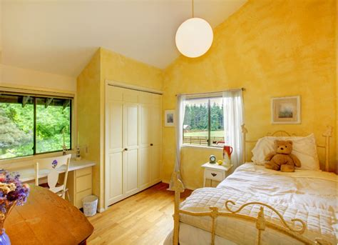 Is Yellow A Color For A Bedroom by Yellow Bedroom Room Paint Ideas 7 Bright Choices