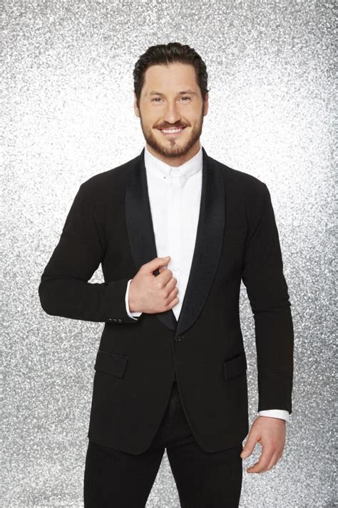 valentin chmerkovskiy getting friendly with dwts pro val