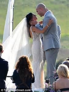 michael brantley all carpet kramer kisses nfl husband michael caussin at virginia