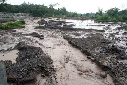 Batu Lava Magelang banjir lahar dingin jalur yogya magelang putus lagi