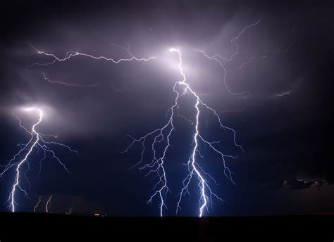 real lightning bolts wallpaper