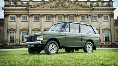 This Is The First Ever Range Rover Top Gear