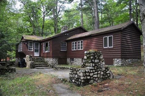 Sebago Lake Cabin Rentals sebago lake cabin rental big sebago only 3 peak weeks