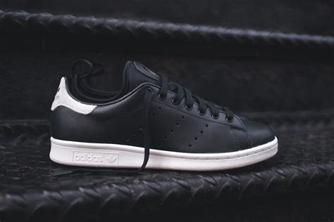 Harga Adidas Velcro adidas stan smith black white