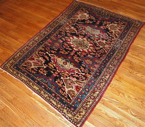 Handcrafted Rugs - antique isfahan handmade rug 1900s for sale at pamono