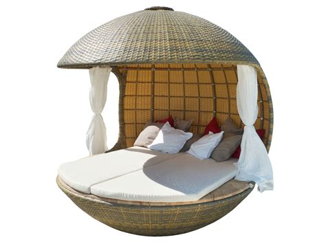 Bett Rund by Spherical Shelter Providing Ultimate Relaxation
