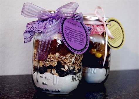 ideas of baby shower prizes for guests baby shower