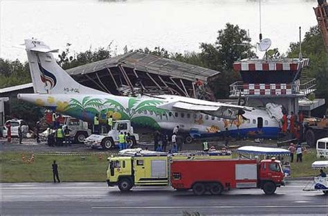 Accident of an ATR-72 operated by Bangkok Airways - Koh ...