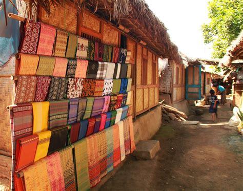 Songket Tradisional Asli Lombok By Tenun Kerang Dalam Siti Asiah Lmb keunikan rumah adat dusun sade lombok