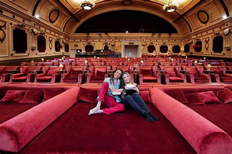 cinema sofas london london cinema with sofas conceptstructuresllc com