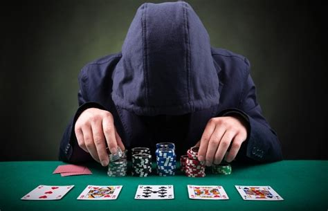 Can I Make Money Playing Online Poker - how much money can you make playing poker online