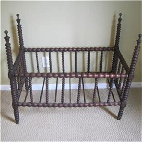 Lind Spindle Crib by Antique Lind Spindle Spool Baby Crib Bed With