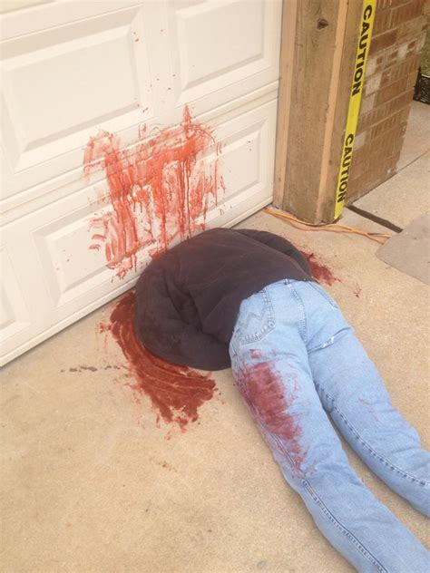 Home Decoration Sites by Fake Dead Body Halloween Decorations Cause Frightened