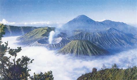 gambar gunung bromo di jawa timur tempat wisata foto gambar wallpaper