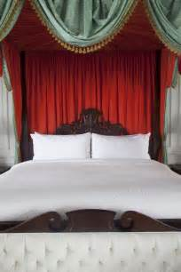 do it yourself a bed canopy fit for a queen me moments