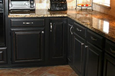 Black Distressed Kitchen Cabinets 25 Best Black Distressed Cabinets Ideas On Pinterest Distressed Kitchen Cabinets Glazed