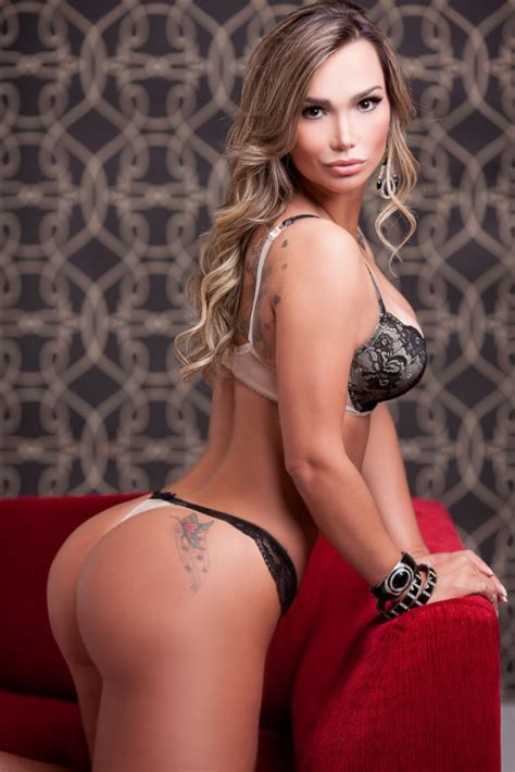 "TATTOOED BUBBLE  of Eliana Amaral, ""Miss Bumbum Brasil"" 2013 contestant & Brazilian #Fitness"