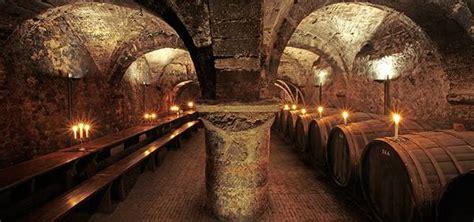 Beleuchtung Keller by Cellar