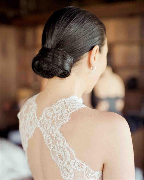 39 simple wedding hairstyles that prove less is more martha stewart weddings