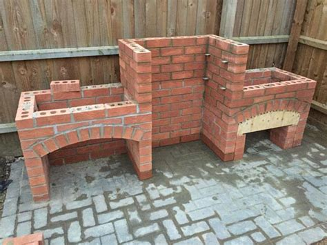 Backyard Brick Grill Cool Diy Backyard Brick Barbecue Ideas Barbecues Bricks
