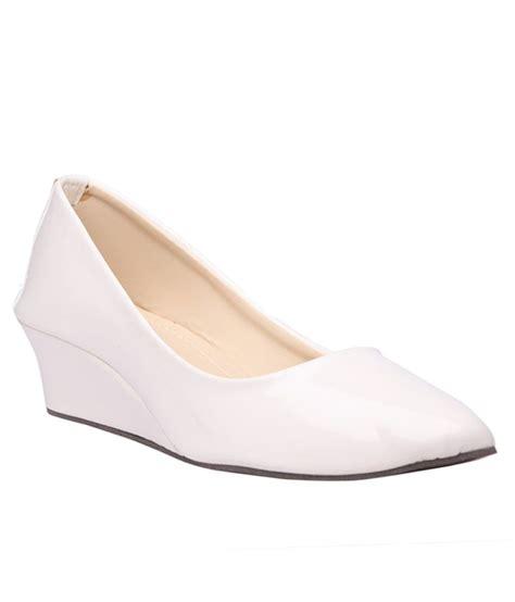 Wedges Lc505 Slip On White sats white wedges heeled slip ons price in india buy sats white wedges heeled slip ons