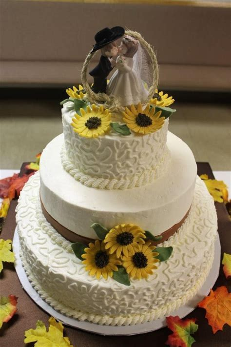 Tiffany's Western Wedding Cake   carrot cake with cream