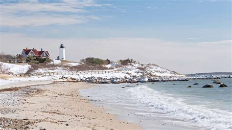 Ordinary Things To Do On Christmas Vacation #2: Nobska-point-lighthouse-cape-cod-winter-918x516.jpg