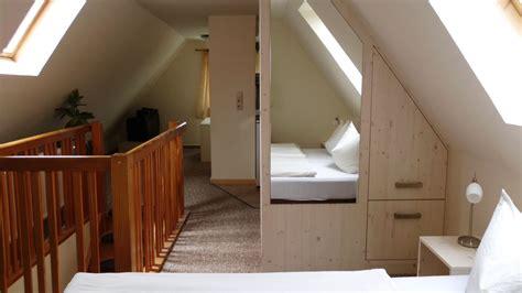 schlafzimmer unter dem dach pension haus seefrieden