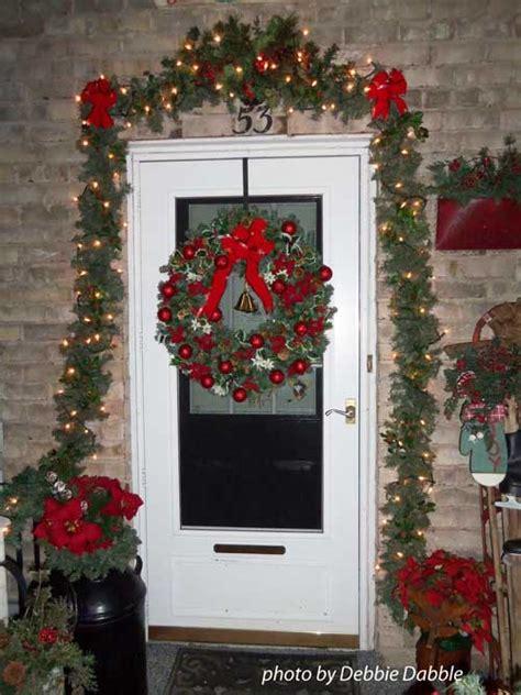 Front Door Garland Ideas Choose A Door Decoration For Pizzazz