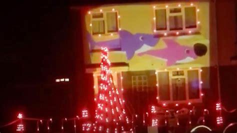 most impressive 3 d chistmas display creates impressive baby shark lights sequence ladbible