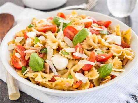 cold pasta salad with italian dressing pasta salad with italian dressing plated cravings