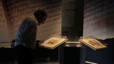 el diminuto diario secreto que narra la atroz persecuci 195 179 n