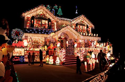 decorated houses overly decorated christmas house pictures photos and