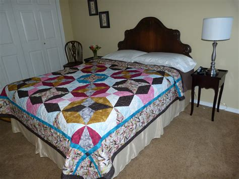 Bed With Quilt by Decorating With Quilts On Beds Dragonfly Quilts