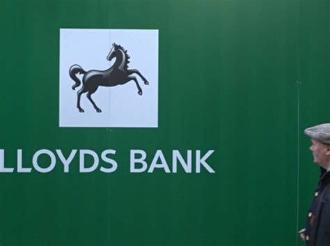 lloyds bank thailand ng 226 n h 224 ng lloyds sẽ cấm kh 225 ch h 224 ng d 249 ng thẻ t 237 n dụng mua