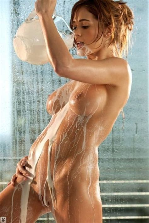 Lauren Elise Nude Bath In Milk Xxx Pics Best Xxx Pics