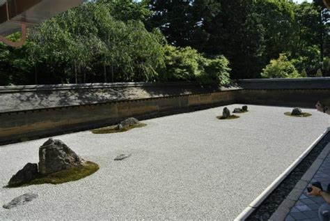 the world rock garden picture of ryoanji temple