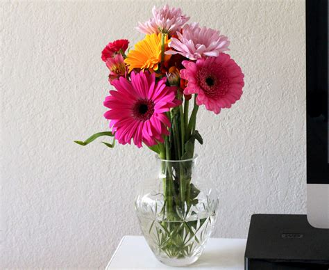 Desk Flowers by Flowers On Desk Makeup And