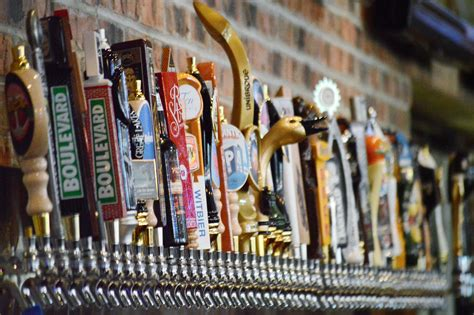 taps house of beer beer house in yorktown taps into midwest craft beer and entertainment scene
