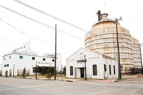 magnolia market visit magnolia market and the silos 6 things to know