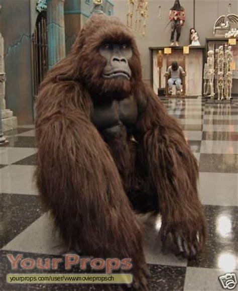 Gorilla Clone Dengan Embos 1 1 miscellaneous productions animatronic silicon gorilla costume replica prop