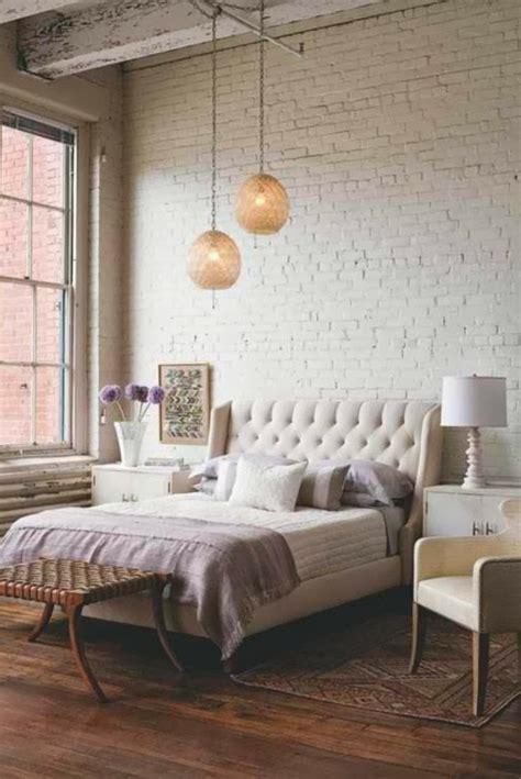 modèle de chambre à coucher le papier peint imitation brique donne de la personalit 233 224