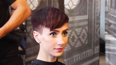 how to cut own pixie how to cut a short pixie cut youtube