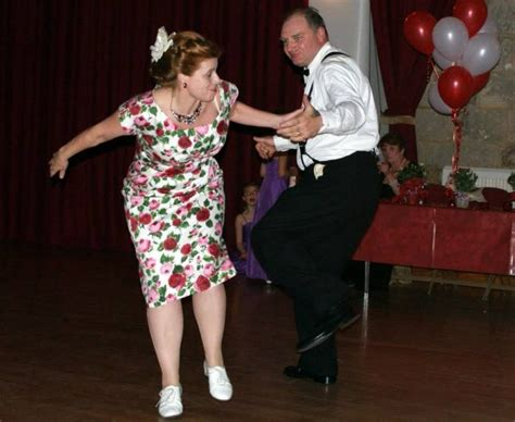 swing out dance lessons swingout swindon swing dancing for swindon