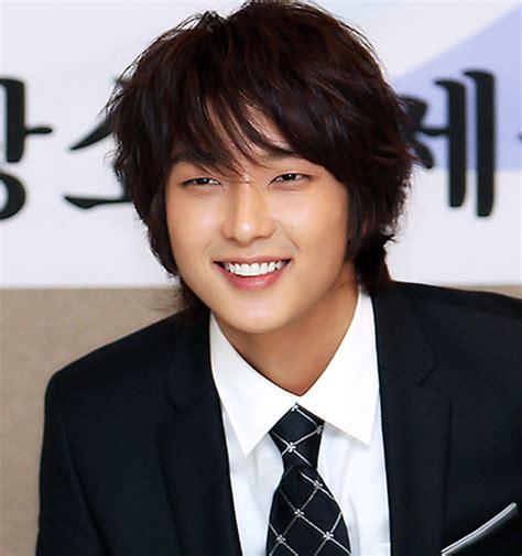 2015 Merek Terkenal 5 10 aktor korea paling terkenal tan dan terpopuler 2018