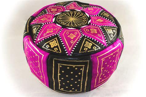 les poufs marocains en cuir pour d 233 coration deco salon