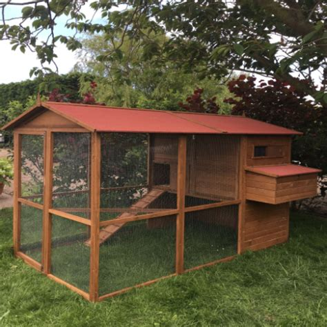 covered run the lincoln manor large chicken coop with walk in covered run