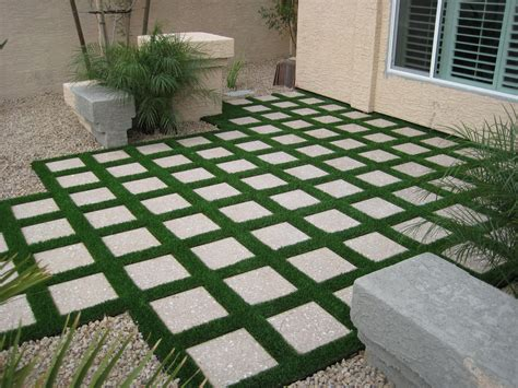 low maintenance front yard landscaping pictures small