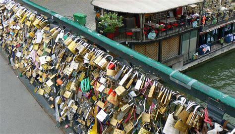images of love lock bridge paris lock bridge quotes quotesgram